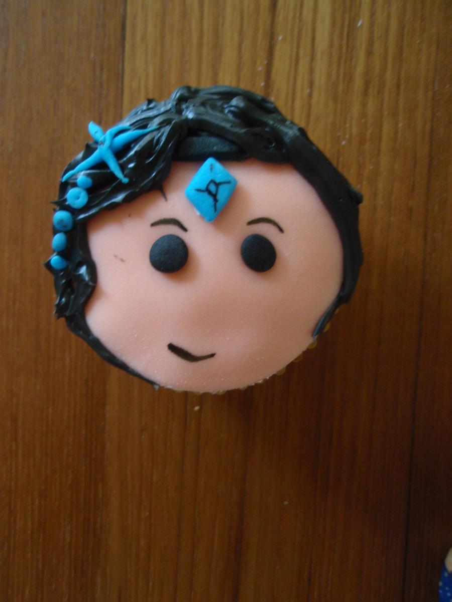 Taric Cupcake by Elliesmeria