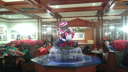 Christmas Lady And The Tramp Fountain