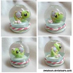 Mini Snow globe - Caterpie by Swadloon