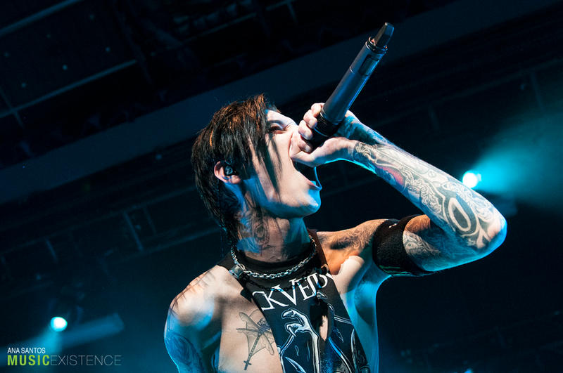 Andy Biersack of Black Veil Brides live in NYC I by anda-chan