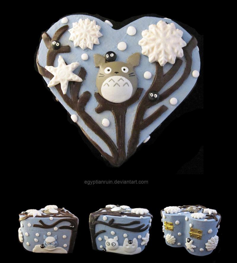 Winter Totoro Box by egyptianruin