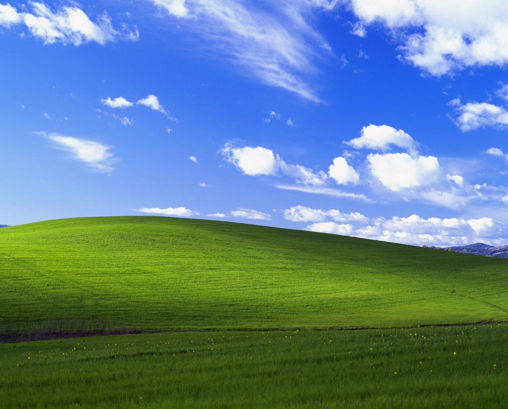 Windows XP Bliss HQ by FuhrerScream