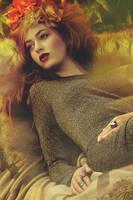 Autumn Femme by PaulineG96