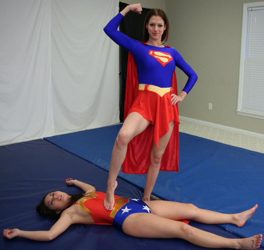 Sumiko vs Wonder Woman