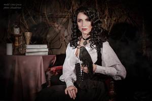 Saga o wiedzminie - Yennefer and black kestrel by GreatQueenLina