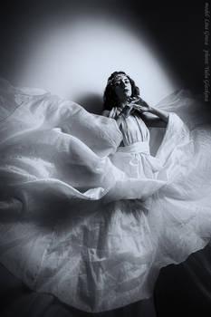 White dress_2