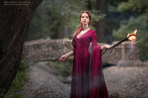 The Red Woman_3