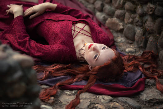 The Red Woman_5