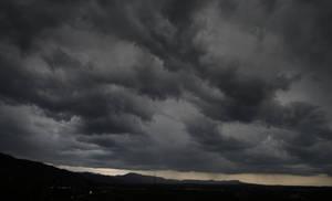 Storm inbound by eaglex