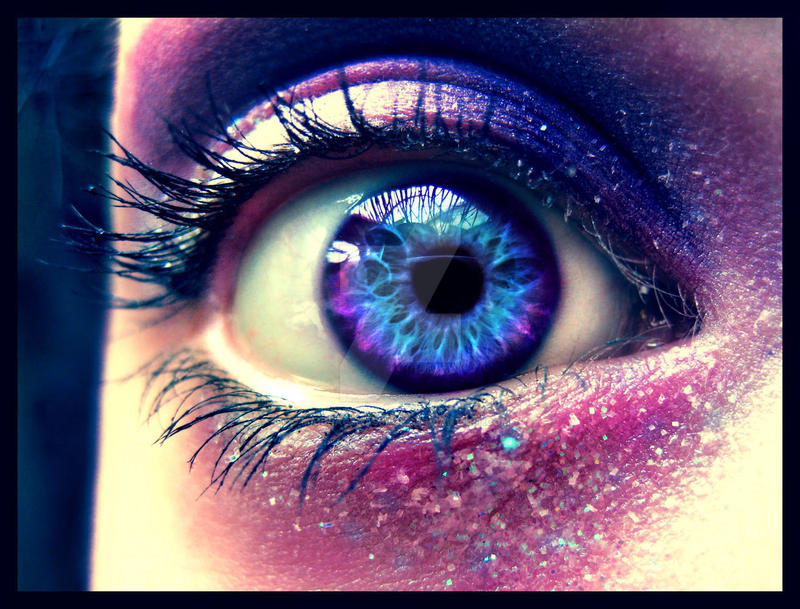 Purple eye. by MarriageMassacre