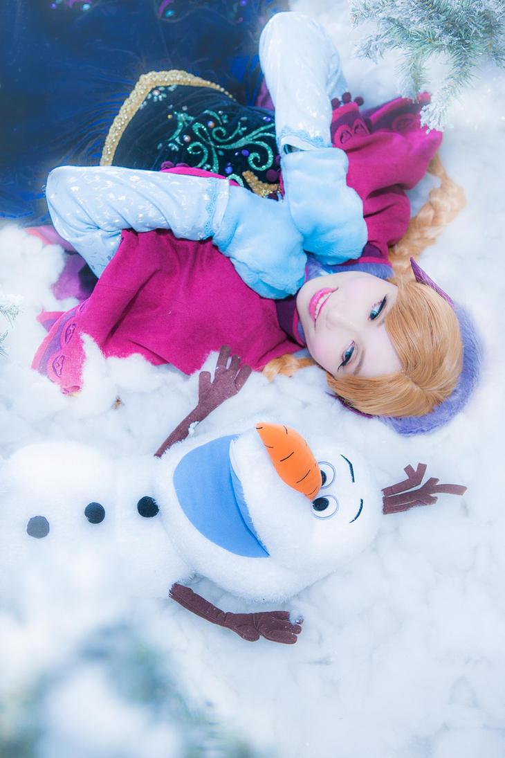 Anna in winter wonderland by mizukimochizuki