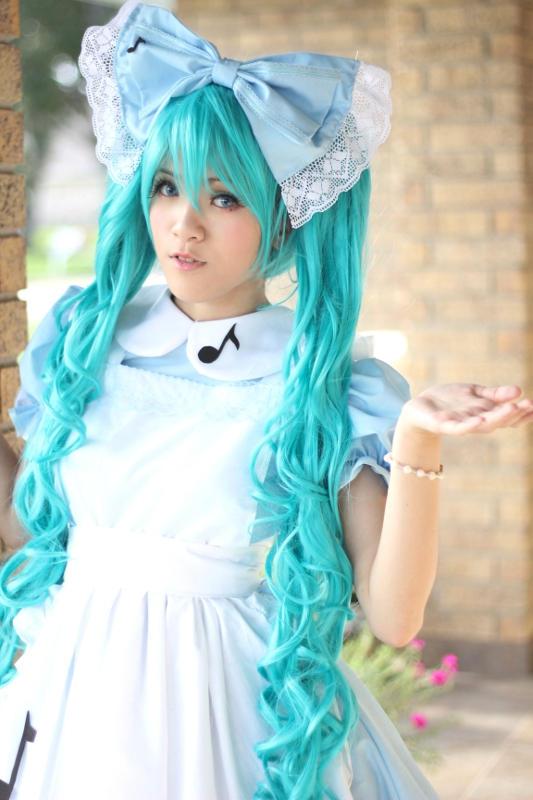 Hatsune Miku- Alice in Musicland