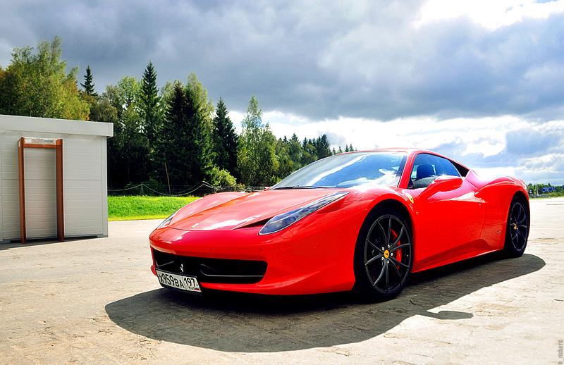 Ferrari Italia by panoptikym