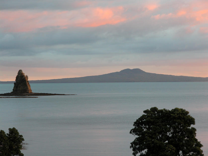 Rangitoto and Frenchman's Cap by Pumbaa11