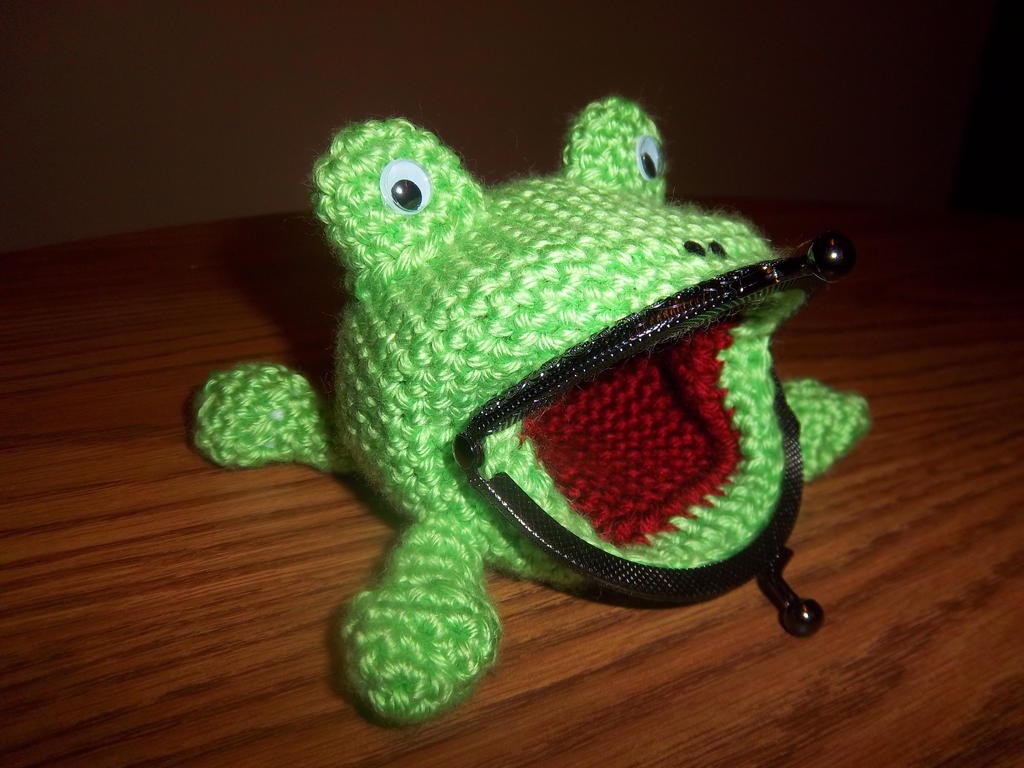 Naruto crochet frog coin purse side view by theemeraldstitch on naruto crochet frog coin purse side view by theemeraldstitch bankloansurffo Gallery