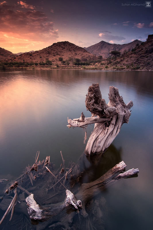 calm lake by sultan-alghamdi