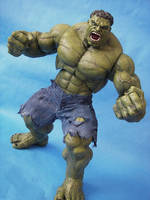 Hot Toys Scale Hulk by cusT0M