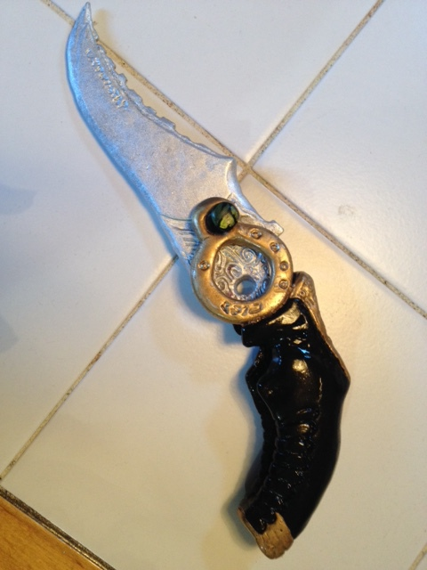 FFXIII Survival Knife by hobfrog07