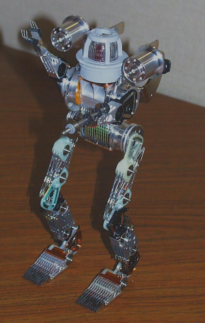 Standard Robot No.5 by photozz