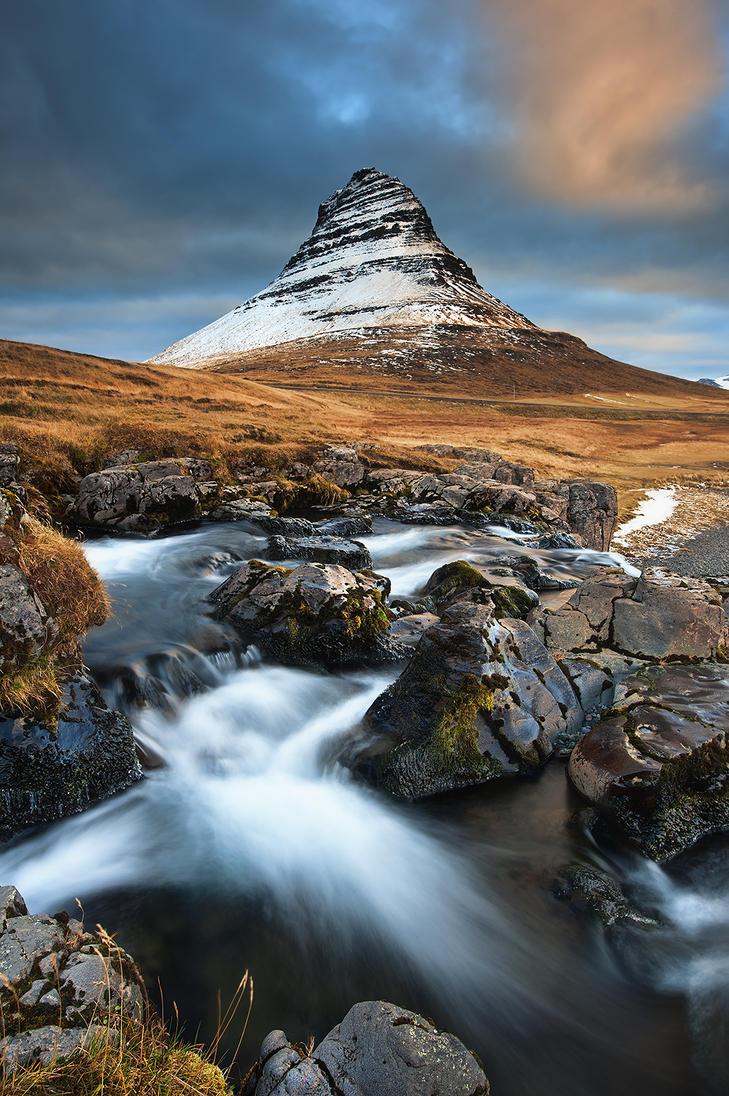 Kirkjufell by Michaelthien