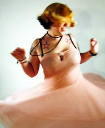 Liz spinning by khavi