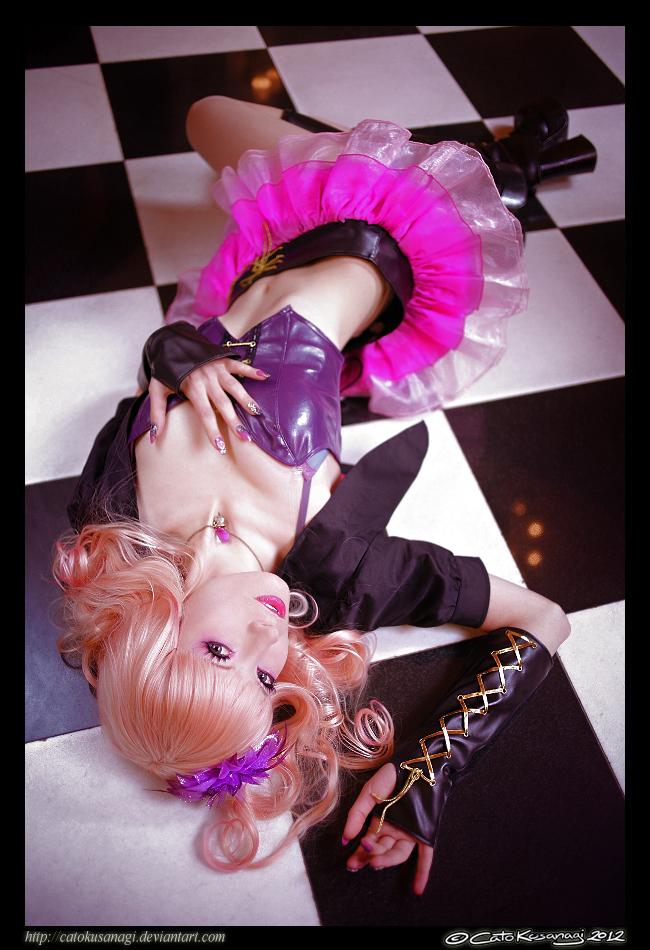 Diva's Pose by CatoKusanagi