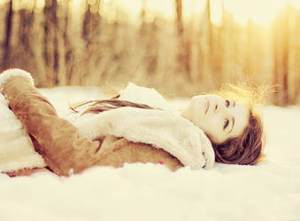 Winter girl by patrycjanna