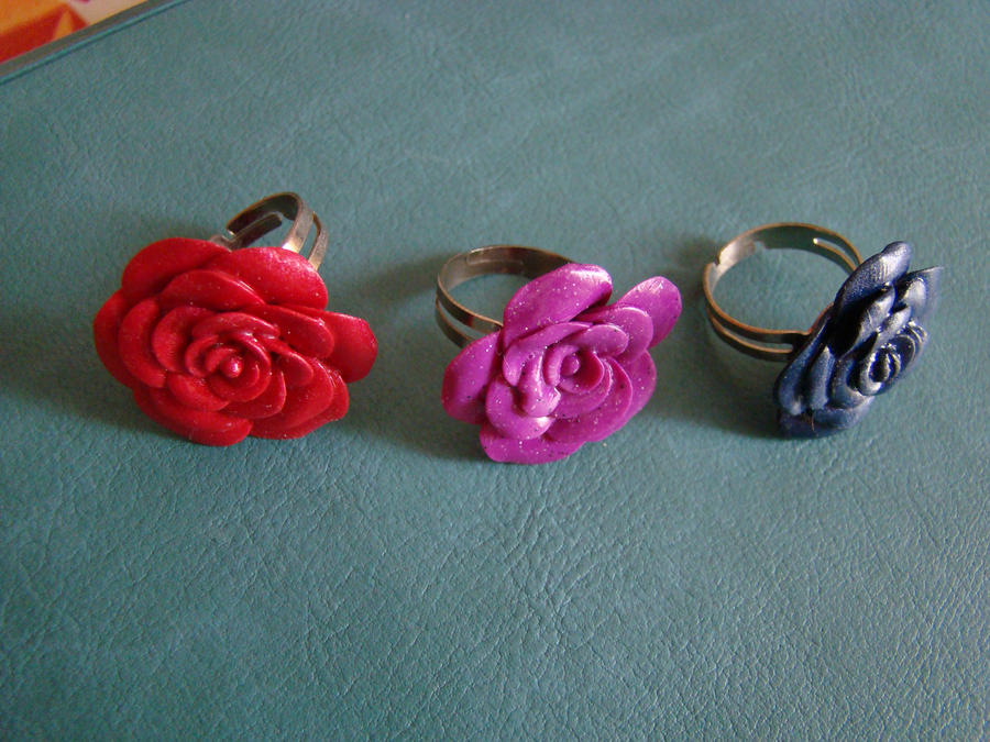 Polymer clay flower rings by fingirl
