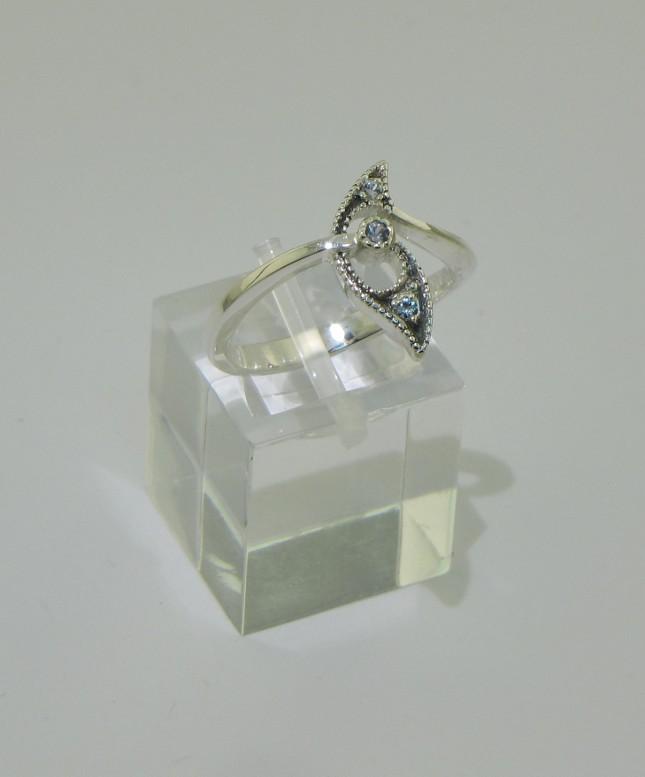 Sapphire swirlies by timjo