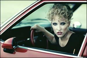 you drive me crazy.... by kingpixx