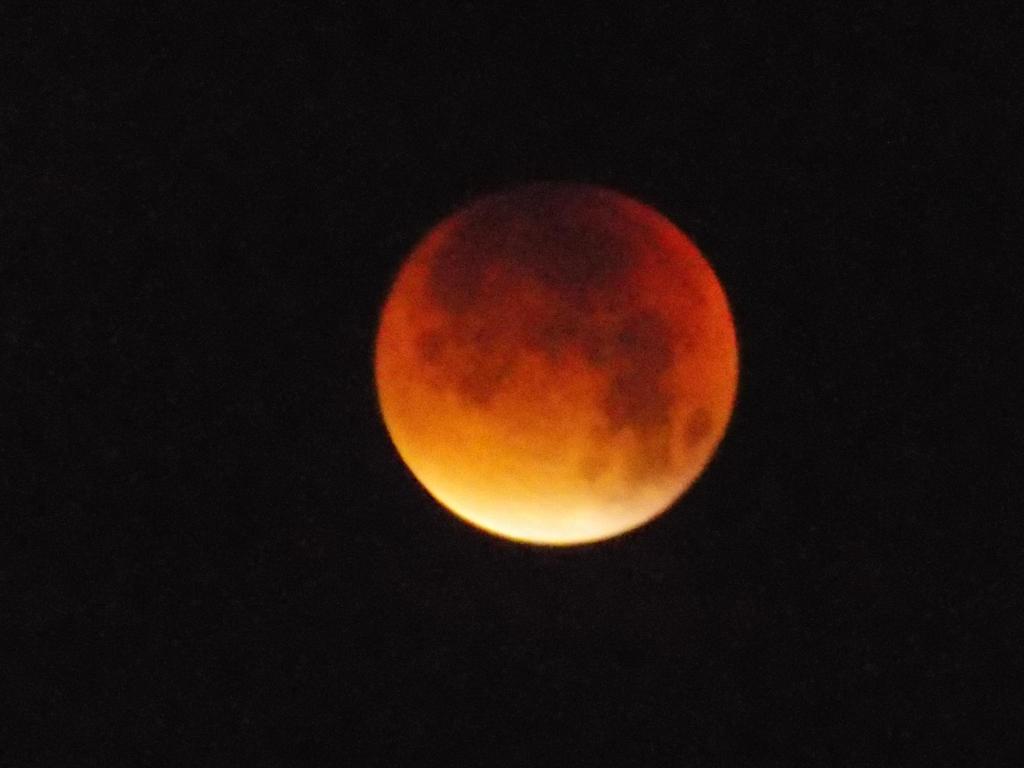 Lunar Eclipse by Skrillexia-TF