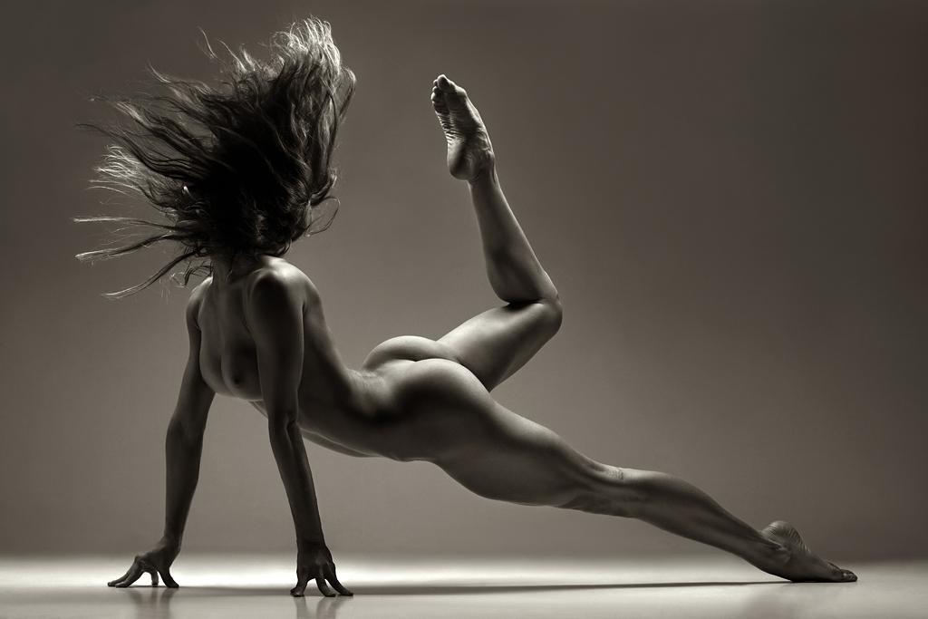ishu-sayt-lyubitelskih-eroticheskih-fotok