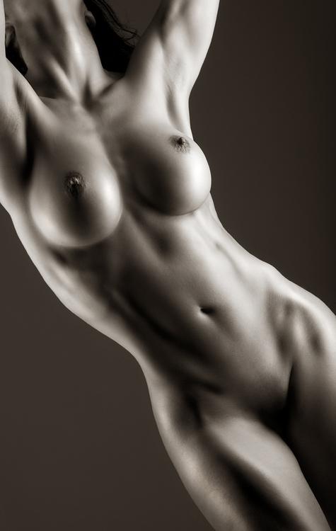 женское тело голое фото