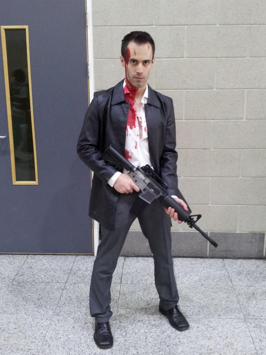 max_payne_2_cosplay___colt_pose_1_by_dai