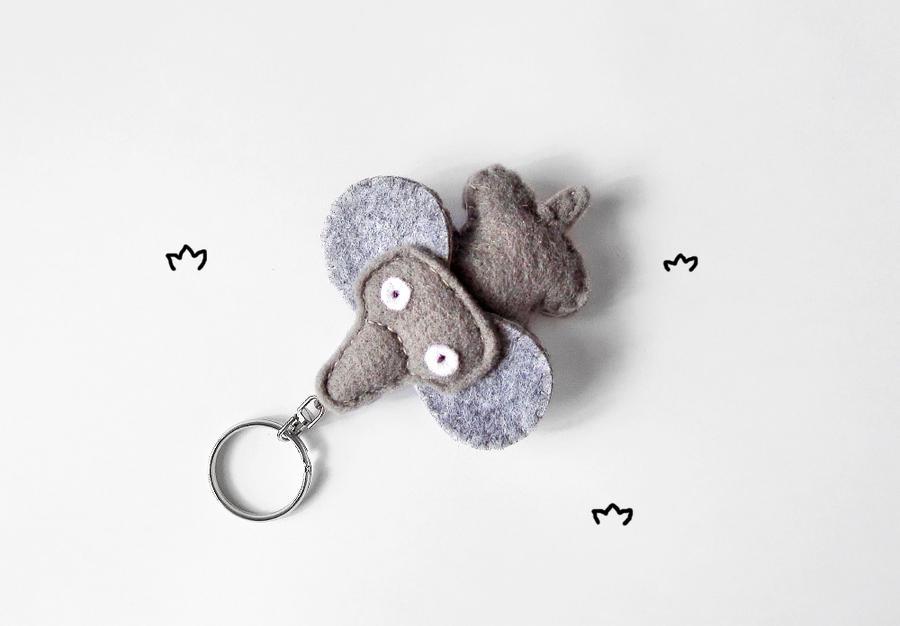 Felt elephant keychain by Narthys
