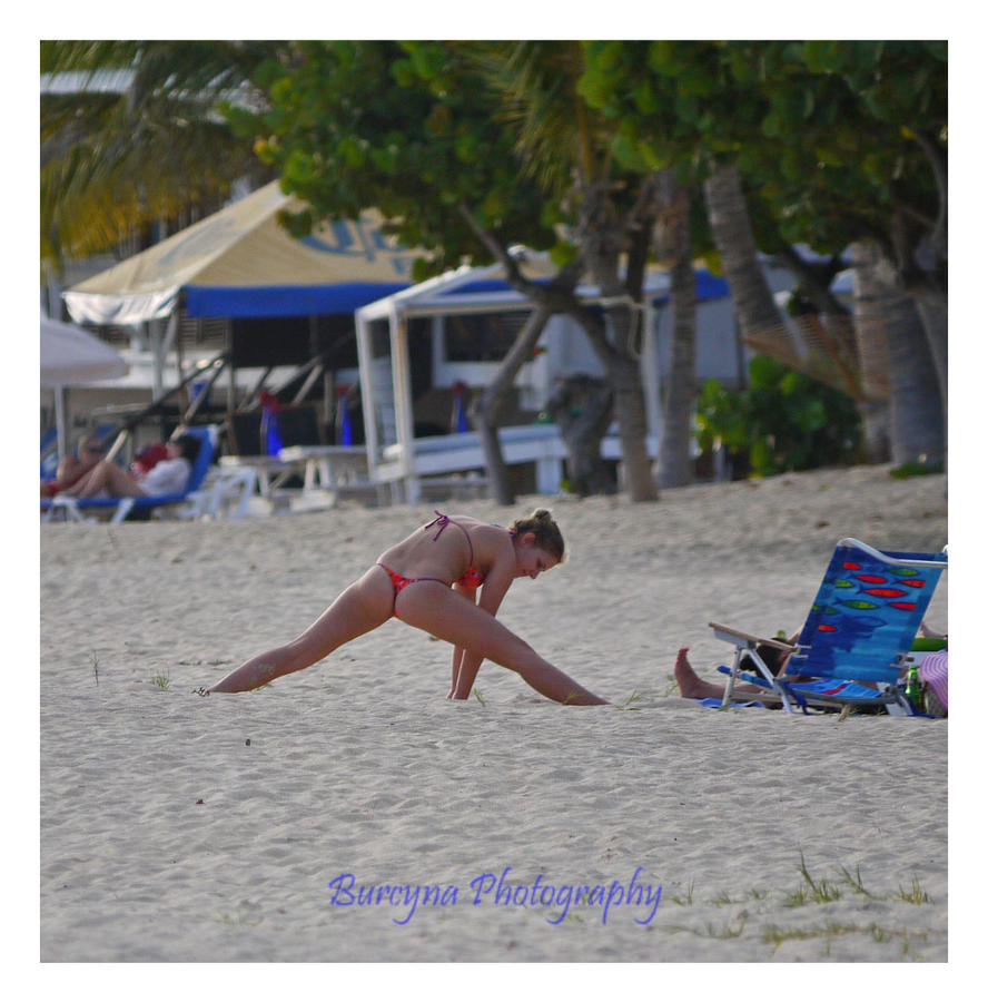 extreme bikini beach gymnastics by burcyna on DeviantArt