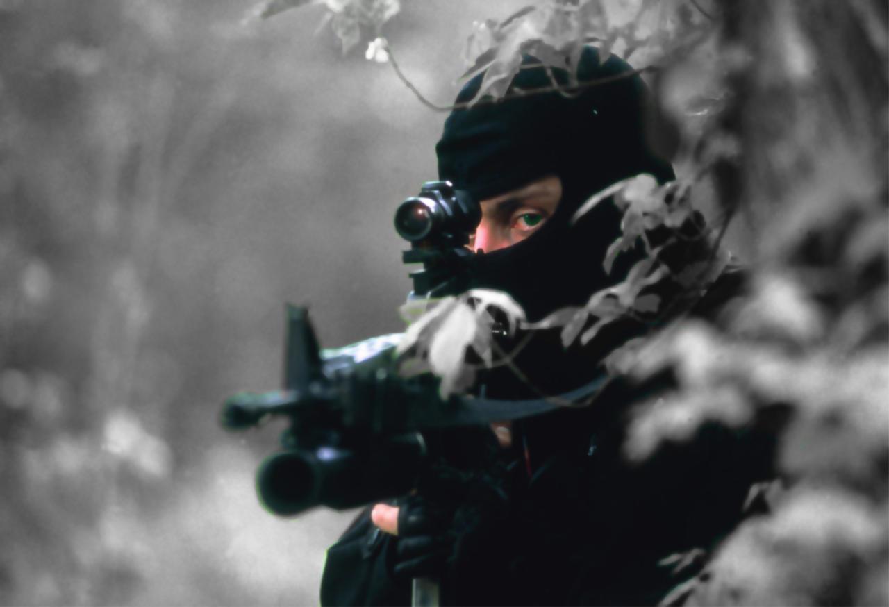 [Finalizada] Noite Sangrenta - Página 4 Sniper_by_toddy1