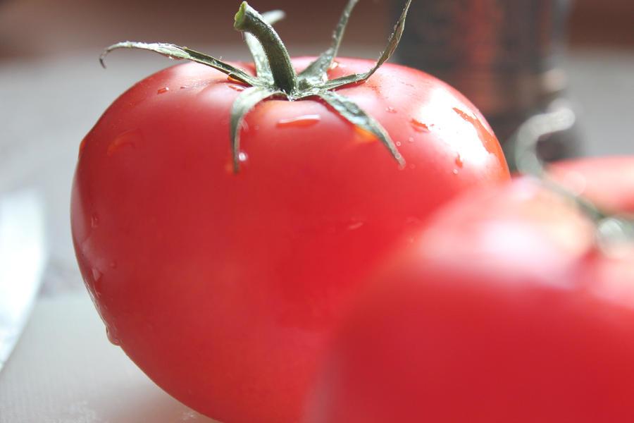 Tomatos by CrueTragedia
