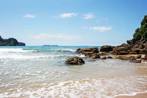 Onemana Beach by sayra