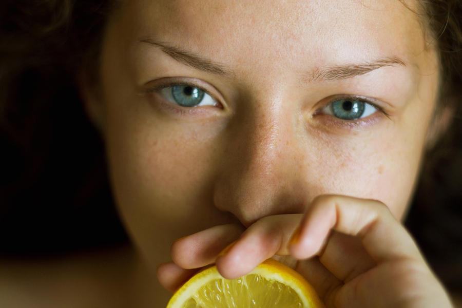 Lemon zest by Lilplague