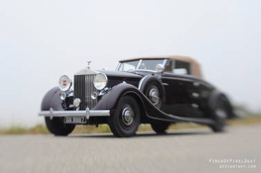 Rolls Royce in Motion by PinchOfPixelDust