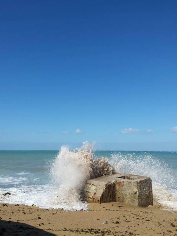 sea and sun by flodu54