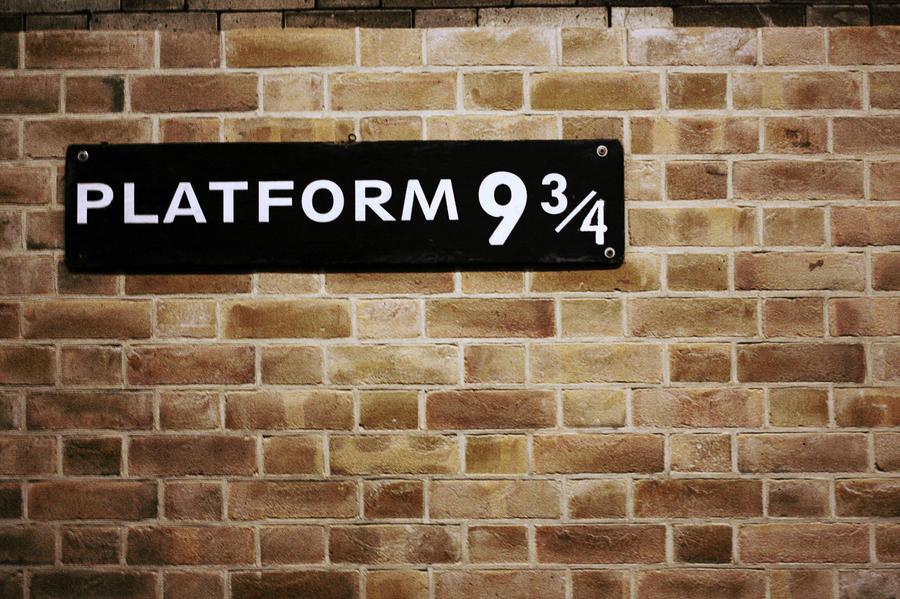 Platform 9 - 3/4 by CrazyMadness on DeviantArt