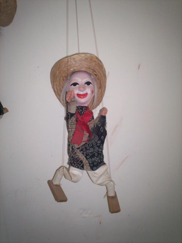 Marionetas II