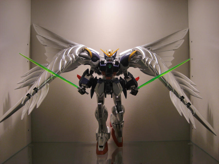 Wing Gundam Zero display by Tformer