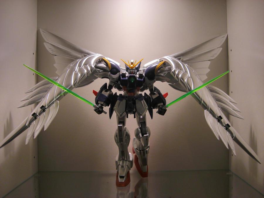 Wing Gundam Zero display by Tformer