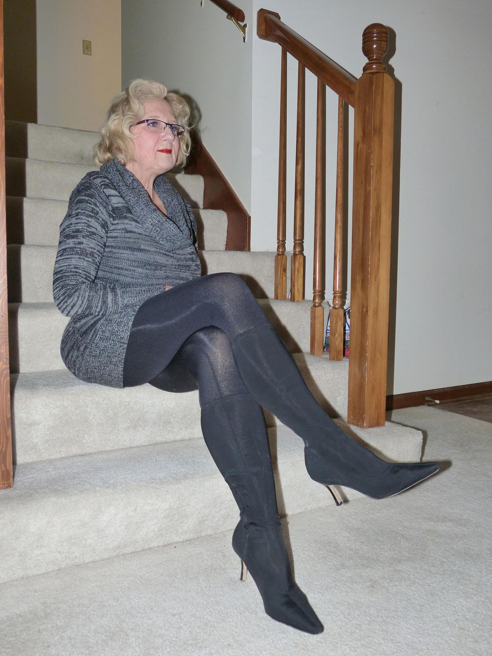 Ladies Wearing Nice Shoes Pics