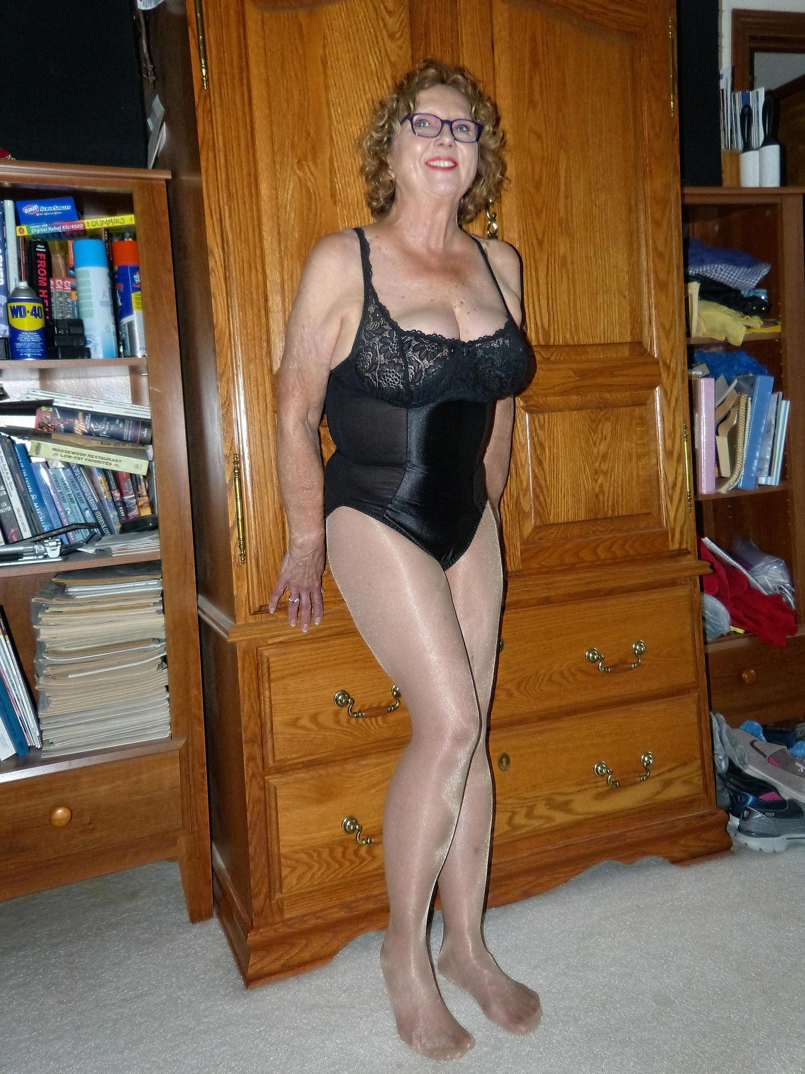 sex hot old mom