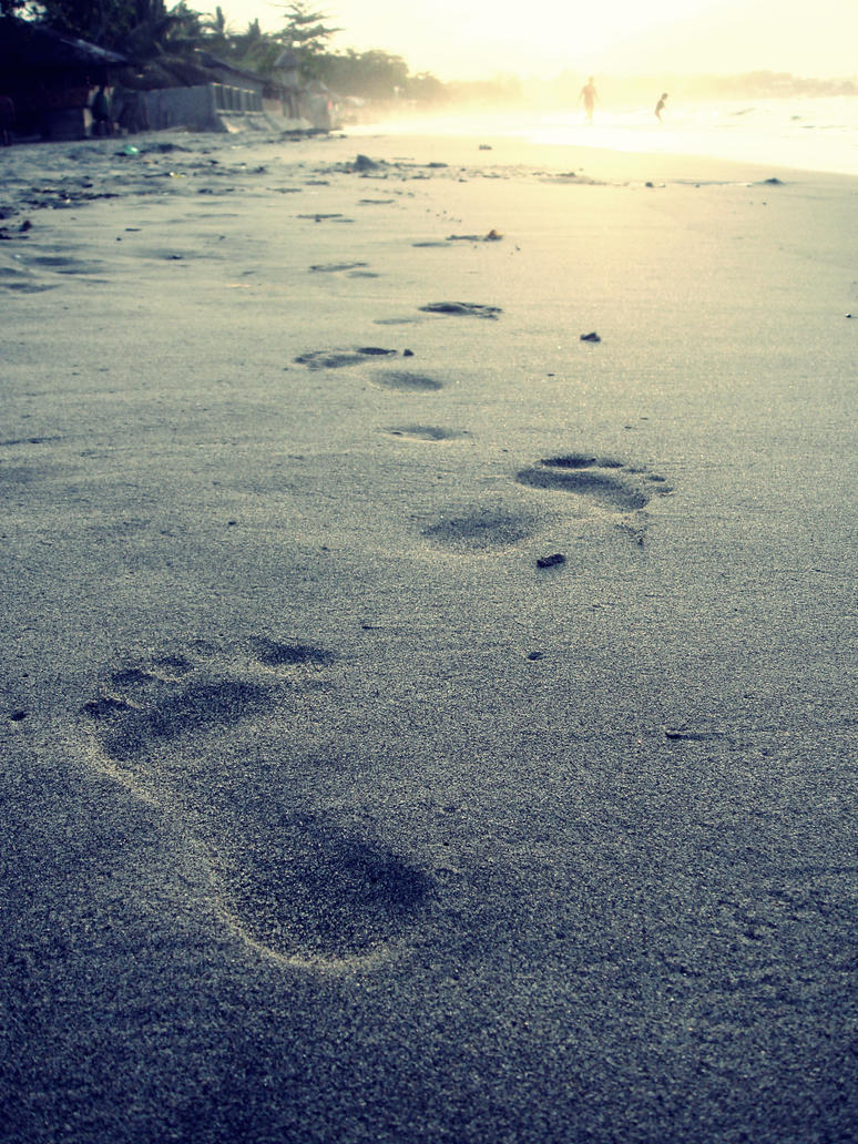 Footprints in the sand by camsy craze