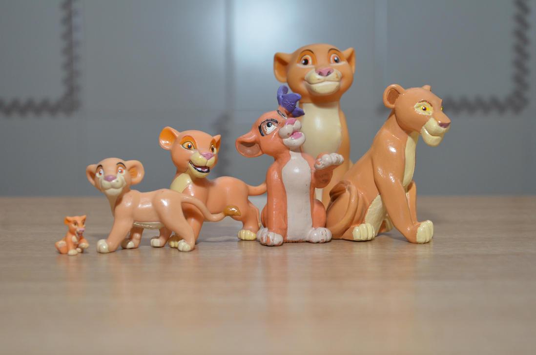 All my Kiara figures by kary218